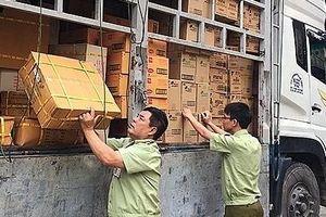 Hà Tĩnh: Tiêu hủy trên 6.000 sản phẩm hàng hóa không rõ nguồn gốc