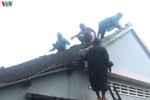 Gần 200 căn nhà tại Miền Trung bị sập do bão số 5
