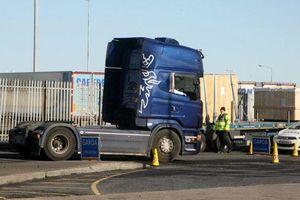 39 người chết trong container: Tài xế chở container từ Pháp đến Bỉ ra tòa