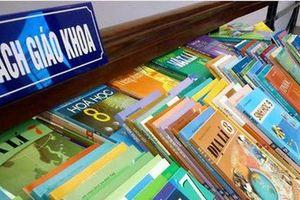Tại sao Bộ Giáo dục tiếp tục lùi thời hạn công bố sách giáo khoa cho chương trình mới?