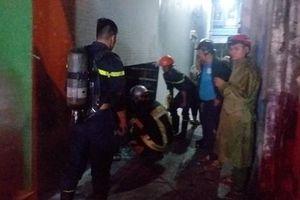 3 thanh niên kêu cứu trong ngôi nhà bốc cháy lúc rạng sáng