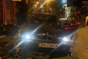 Lái xe BMW tông 5 người giữa đêm