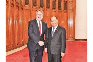 Thủ tướng Nguyễn Xuân Phúc tiếp đoàn Ủy ban Thương mại quốc tế của Nghị viện châu Âu