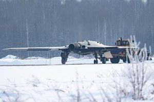 Chiêm ngưỡng UAV S-70 'Okhotnik' siêu hạng của Nga