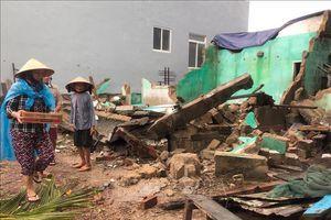 Cứu trợ khẩn cấp người dân bị thiệt hại do cơn bão số 5 tại Bình Định