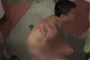 Ninh Bình: Phạt 2 triệu đồng người mẹ bắt con cởi quần áo quỳ trên vỉa hè, đánh thâm tím khắp cơ thể