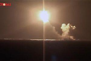 Uy lực kinh hoàng của tàu ngầm hạt nhân 'hoàng tử' Nga khi phóng 'quả chùy'