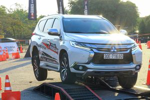Toyota Fortuner, Mitsubishi Pajero Sport giảm giá hơn 100 triệu đồng