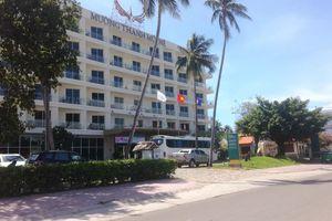 Bé trai 4 tuổi chết đuối trong hồ bơi của khách sạn