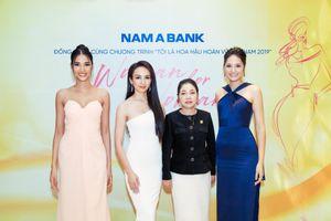 Hoàng Thùy và Hoa hậu Hương Giang bất đồng quan điểm tại Hoa hậu Hoàn vũ
