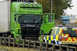Clip 'xe tử thần' chở 39 thi thể bị truy đuổi trước ngày bị bắt tại Anh