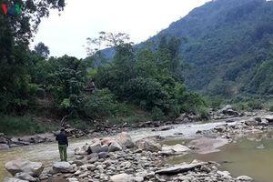Mở rộng phạm vi tìm kiếm người mất tích khi qua suối ở Yên Bái