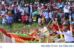 Tưng bừng giải đua ghe Ngo truyền thống đồng bào Khmer ở Sóc Trăng