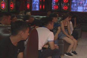 Gần 100 người phê ma túy trong quán bar, karaoke