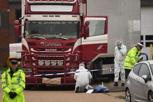 Bộ Nội vụ Anh chỉ trích kênh truyền hình vô cảm với thảm kịch 39 người
