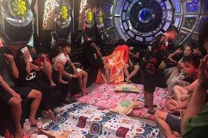 Kiểm tra quán karaoke phát hiện 50 'nam thanh nữ tú' thác loạn ma túy tập thể