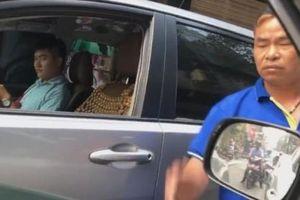 Hà Nội: Lái xe đi ngược chiều còn đánh chửi người nhắc nhở