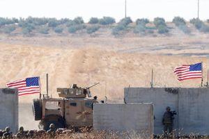 Đoàn xe chở lính Mỹ rút khỏi Syria bị tấn công
