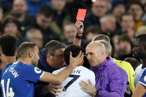 HLV Tottenham nói trọng tài sai khi phạt Son thẻ đỏ