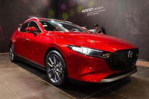 Cộng đồng bất ngờ khi Mazda3 mới giá ngang xe hạng D