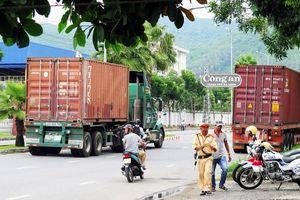 Cấm dừng, đỗ xe trên tuyến đường Ngô Quyền - Ngũ Hành Sơn