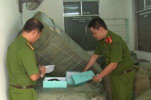 Tạm giữ 8 tấn hàng lậu vận chuyển theo đường sắt vào Đà Nẵng