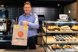 CEO McDonald's từ chức vì quan hệ tình cảm với nhân viên