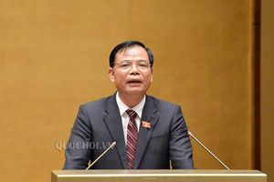 Bộ trưởng Nguyễn Xuân Cường là người trả lời chất vấn đầu tiên