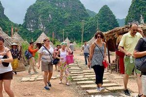 Gỡ 'nút thắt' cho chính sách thị thực ở Việt Nam cách nào?