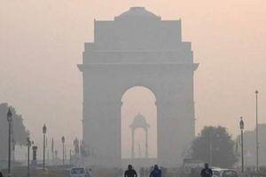Ấn Độ: Khói bụi 'thiêu đốt' đôi mắt tại thủ đô Delhi