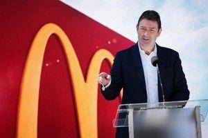 McDonald's sa thải CEO do phát hiện quan hệ bất chính với nữ nhân viên