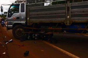 Đắk Lắk: Tông vào xe tải, nam thanh niên thiệt mạng
