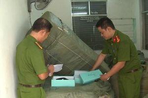 Tạm giữ 8 tấn hàng nhập lậu tại Ga Đà Nẵng