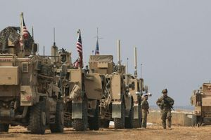 Quân Mỹ bị nã đạn khi trên đường rút khỏi Syria sang Iraq