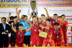 Lần đầu ghi cú đúp vô địch của HLV Dương Hồng Sơn