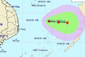 Áp thấp nhiệt đới giữa Biển Đông có thể mạnh thành bão