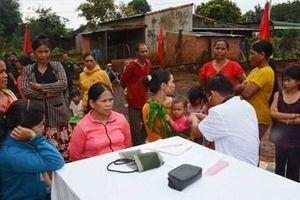 Bộ đội Biên phòng tỉnh Gia Lai Khám bệnh cấp thuốc miễn phí cho người dân vùng biên giới