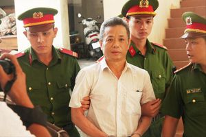 Xét xử vụ cựu Bí thư thị xã Bến Cát: Có hay không việc thanh trừng nội bộ?