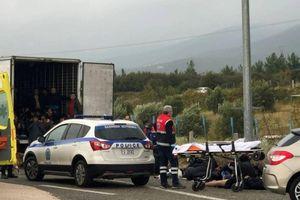 Phát hiện 41 người nhập cư trên xe chở container đông lạnh ở Hy Lạp
