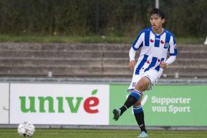 Đoàn Văn Hậu đá trọn 90 phút trận Jong Heerenveen thua đậm 0-6