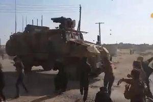 Lực lượng Nga và Thổ Nhĩ Kỳ bất ngờ bị tấn công tới tấp bằng đá ở Bắc Syria