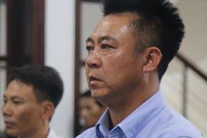 Đang hầu tòa vì hành vi chứa mại dâm, ông chủ Bavico lại bị khởi tố tội lừa đảo
