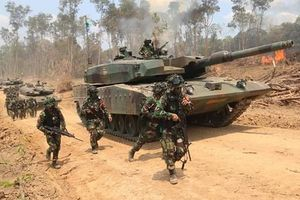 Choáng ngợp lục quân Indonesia tập trận với trực thăng Apache, xe tăng Leopard 2A4
