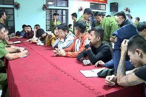Phát hiện 28 thanh niên nam nữ phê ma túy trong quán karaoke