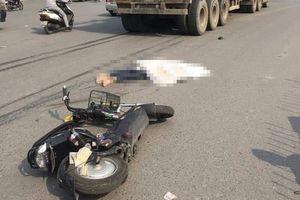 Hà Nội: Một phụ nữ tử vong sau va chạm với xe đầu kéo