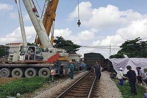 Bị tàu hỏa tông trúng, hai công nhân đường sắt thương vong