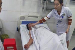 Nghệ An: Chữa cháy chung cư, 1 cảnh sát PCCC bị ngạt khói