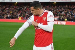 CHÍNH THỨC: Xhaka bị tước băng đội trưởng của Arsenal