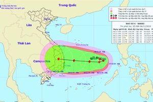 Bão số 6 quay đầu hướng về Việt Nam, có thể là bão mạnh nhất từ đầu năm