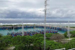 Quân và dân trên các đảo thuộc quần đảo Trường Sa ứng phó với bão số 6